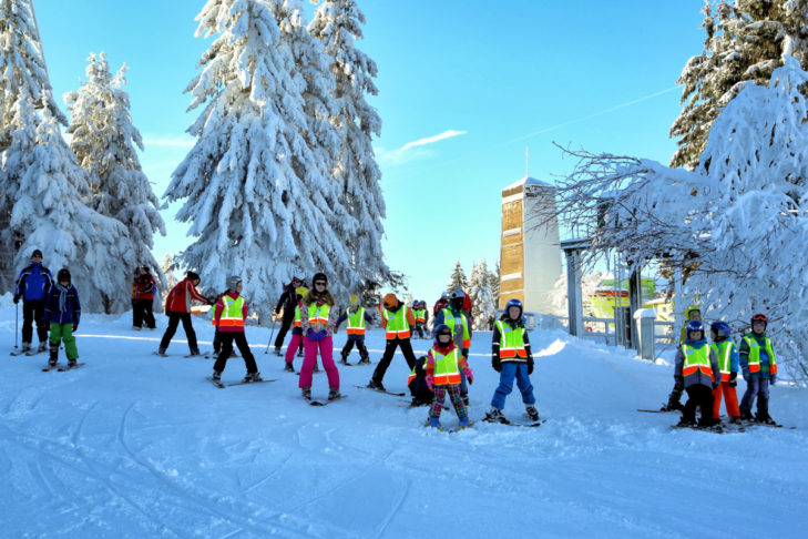 Kinderskikurs im Skigebiet Bocksberg.