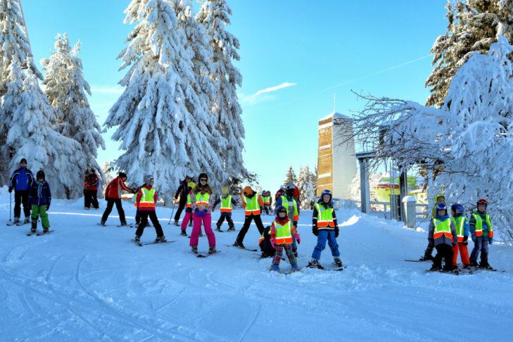Skikurs im Familienskigebiet Bocksberg.