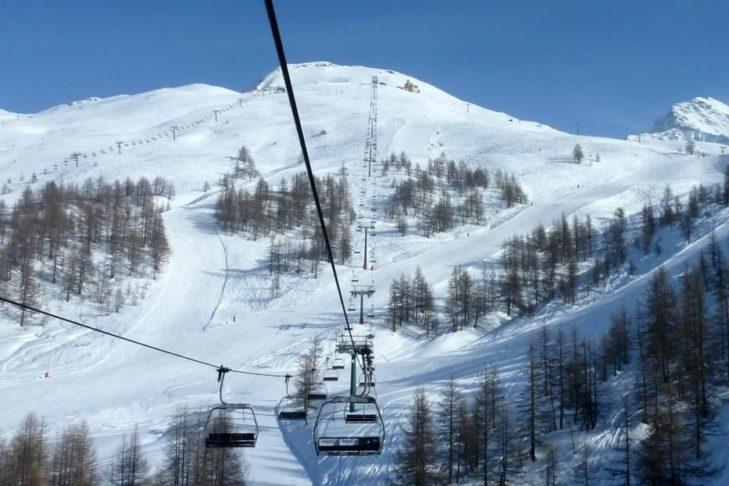 Im Skigebiet Via Lattea geht es auf knapp 3.000 m hoch.