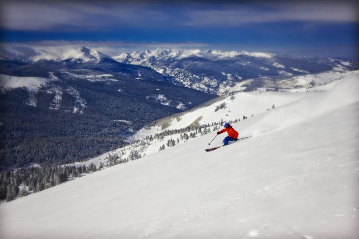 Das traumhafte Panorama im Skigebiet Vail beeindruckt.