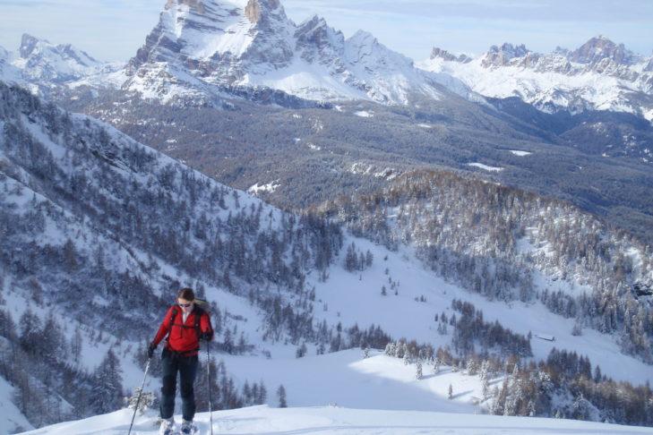 Langläuferin im Skigebiet Civetta.