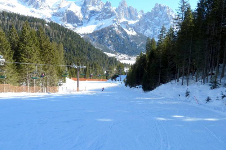 Herrlicher Blick bei der Abfahrt im Skigebiet San Martino di Castrozza.
