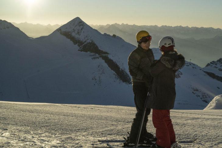 Ed Sheeran und Zoey Deutch beim Dreh am Hintertuxer Gletscher.