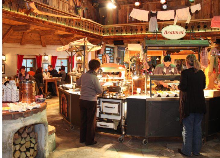 Natürlich werden in der Skihalle in Neuss auch typische Hüttengerichte angeboten.