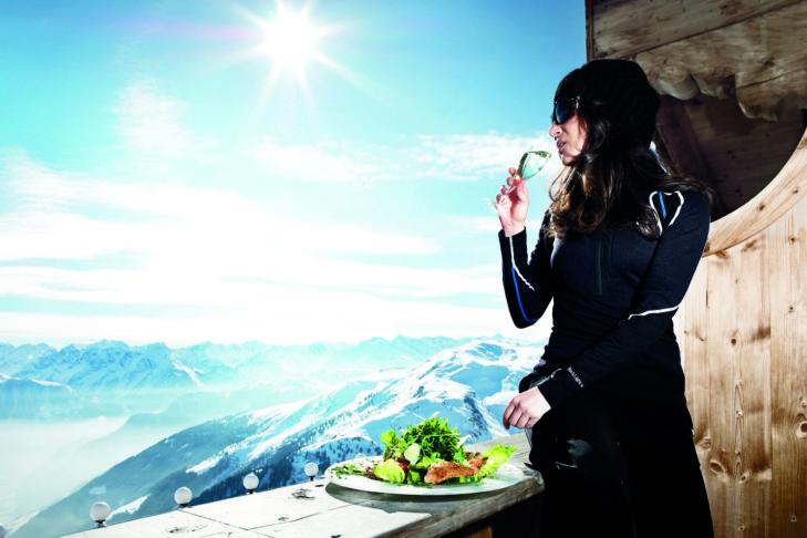 Beim Winzer Wedelcup wird Pistenspaß mit Kulinarik vereint.