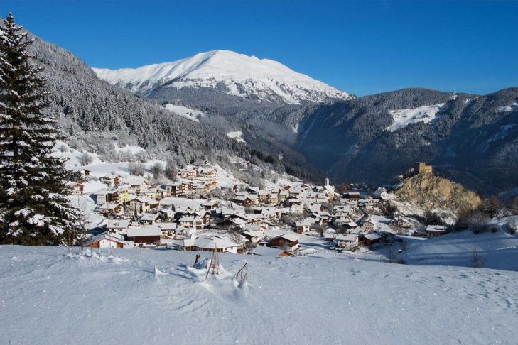 Keine Lust auf Autoabgase im Skiurlaub? Dann ist auch Serfaus ein geeignetes Ziel.