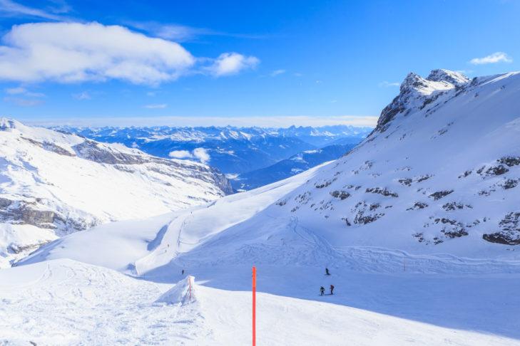 Weite Blicke im Skigebiet Laax.