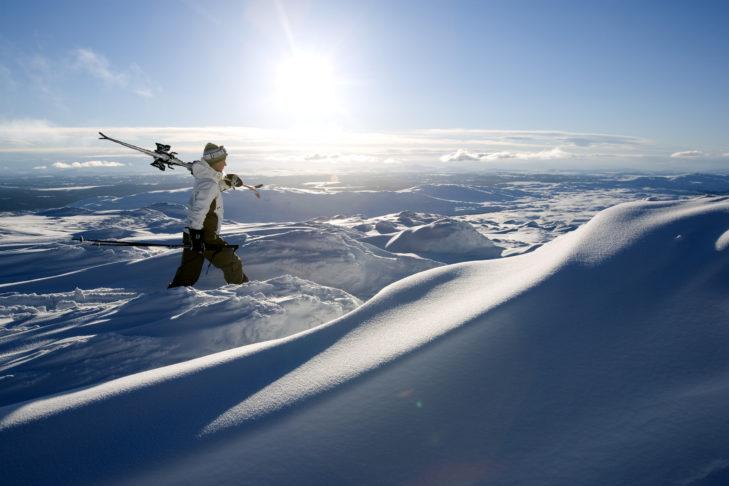 Herrliche weiße Weiten laden zum Skifahren in Schweden ein.