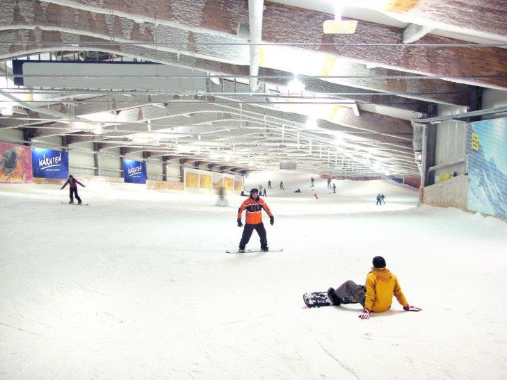 Im alpincenter Bottrop haben sowohl Anfänger als auch Fortgeschrittene ihren Spaß.