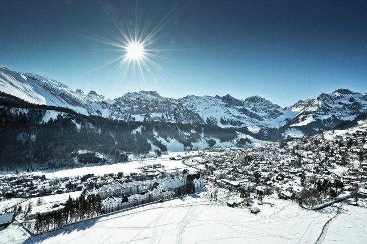 Engelberg: Dorfansicht im Winter am Tag.