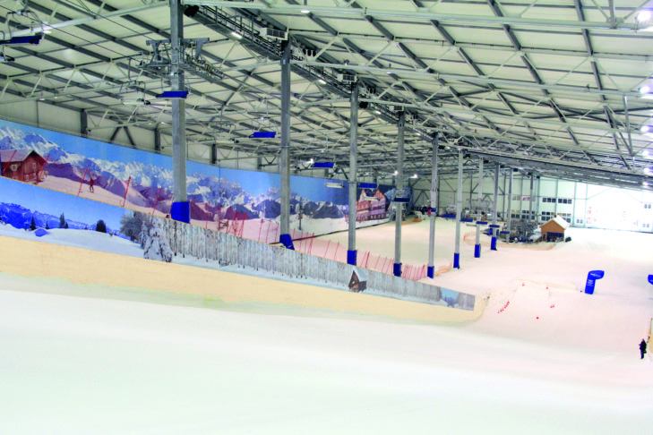 Mit dem Sessellift geht es im alpincenter wieder nach oben - Komfort wie im Skiurlaub!