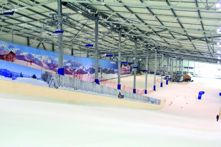 Mit dem Sessellift geht es in der Skihalle Hamburg-Wittenburg wieder nach oben - Komfort wie im Skiurlaub!