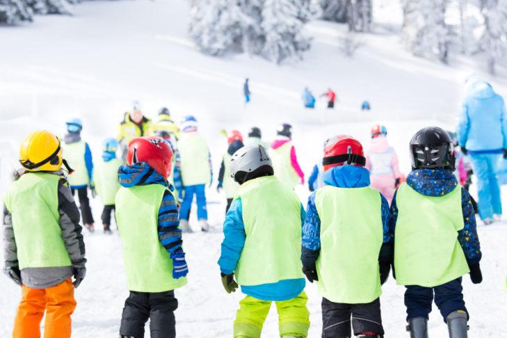 Die Kleinsten sind bei Skigruppenreisen immer beschäftigt.