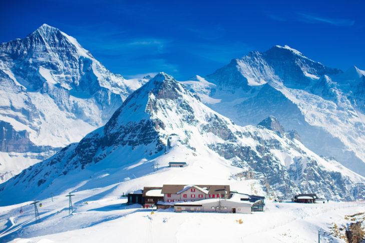 Unterkunft direkt an der Bergstation in der Schweiz.