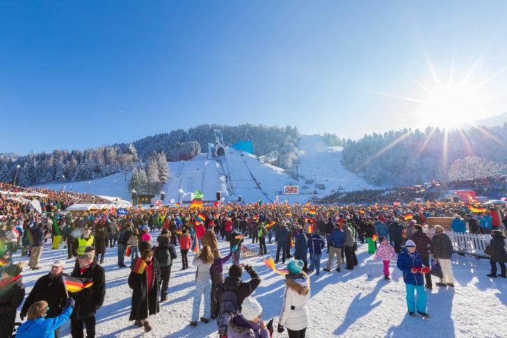 Das neue Jahr wird in Garmisch-Partenkirchen eingeläutet.
