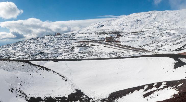 Der Ätna (3.340 m) ist der höchste aktive Vulkan Europas.
