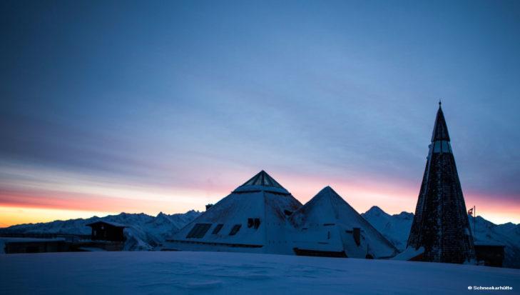 In der Schneekarhütte genießen Wintersportler nicht nur den Sonnenuntergang, sondern auch den Sonnenaufgang.