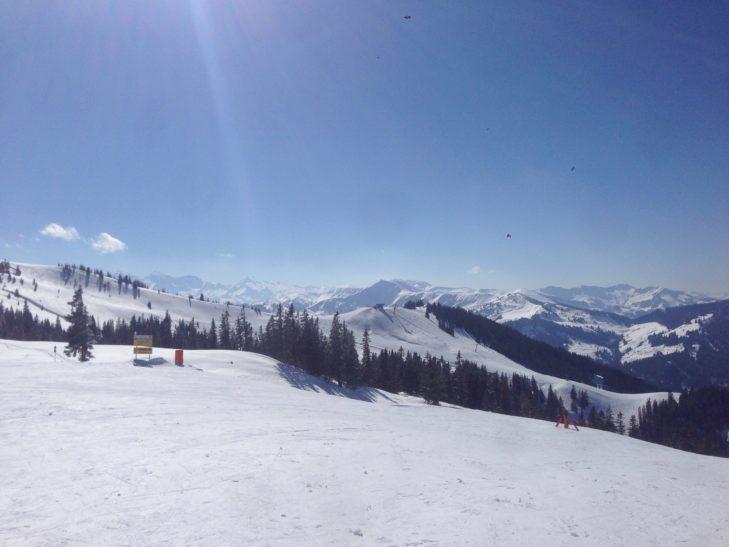 """Wer viel an einem Tag erleben möchte, sollte die """"Königstour"""" im Skigebiet Hochkönig fahren."""