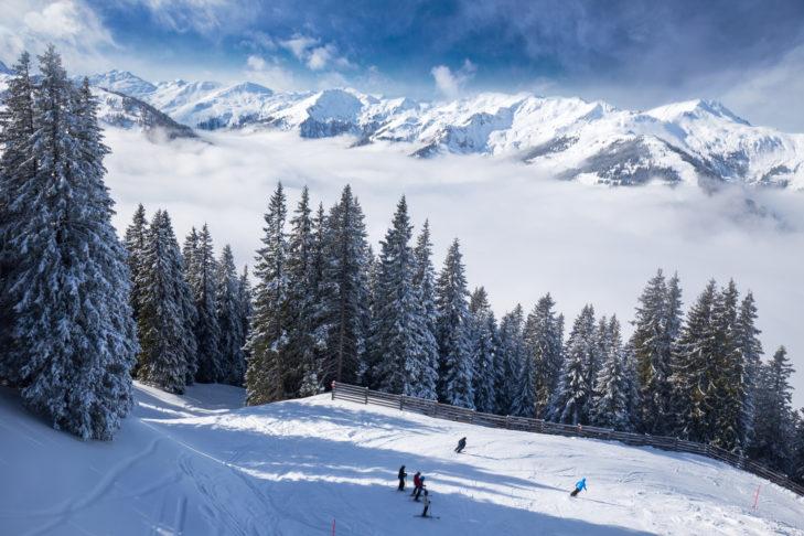 Ischgl ist bekannt für sein legendäres Après-Ski und mit etwas Glück trifft man an der Theke auch den ein oder anderen Promi.