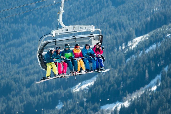 So entspannt wie bei mancher Liftfahrt geht es im Sommer in den Skigebieten nicht zu.