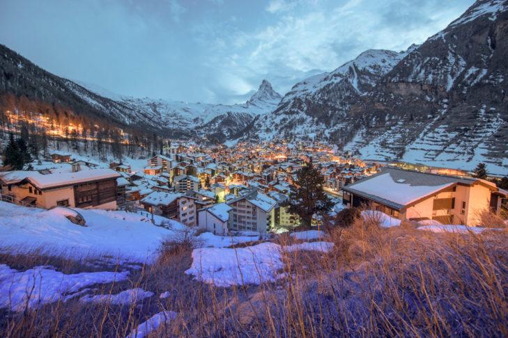Wer nach Zermatt reist, den erwartet dieser traumhafte Blick auf den Ort.
