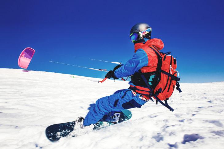 Erfahren und hungrig auf Neues? Wieso dann nicht Snowkiten?