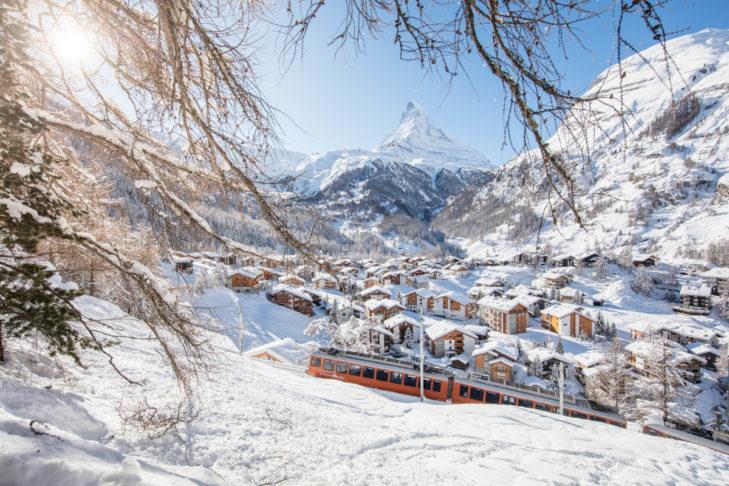 Blick auf Zermatt, im Hintergrund das beeindruckende Matterhorn.