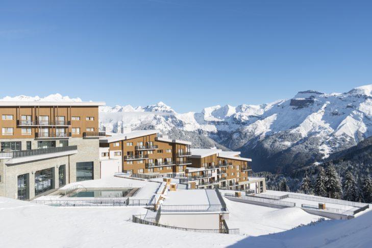 Das 2017 neu eröffnete Resort Club Med - Grand Massiv Samoëns Morillon befindet sich direkt an den Pisten des Skigebiets Grand Massif.