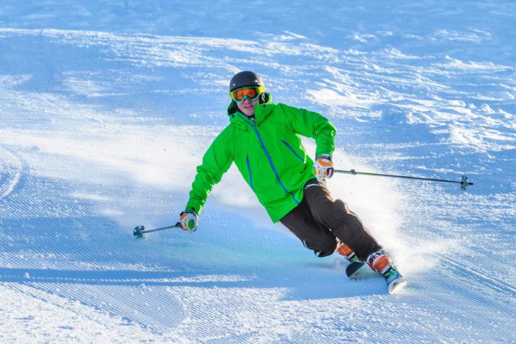 Der Telemarkski wurde bereits Mitte des 19. Jahrhunderts erfunden und erfreut sich bis heute großer Beliebtheit.