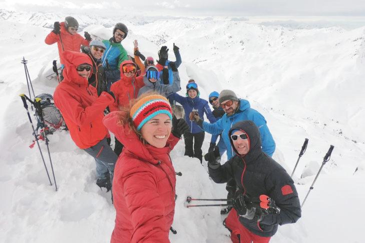 Gemeinsam mit der Gruppe vom Skitourencamp auf den Gipfel – ein einmaliges Erlebnis!