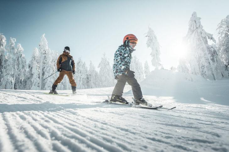 Vor allem für die Kleinsten hat das Skigebiet am Hochficht einiges zu bieten.